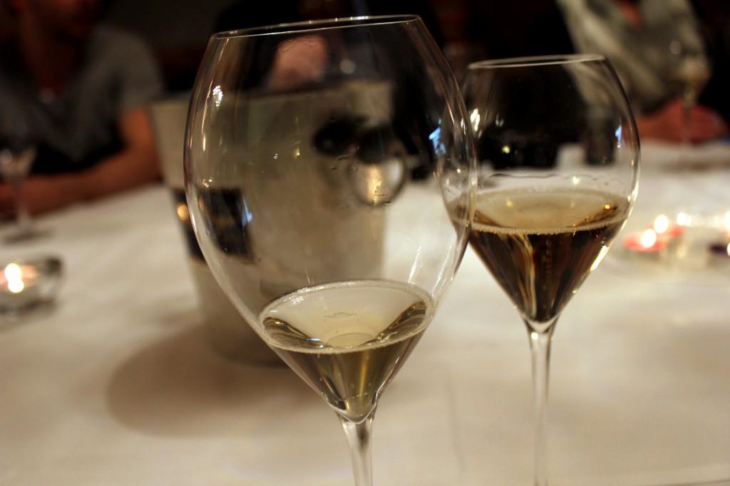 Samppanjatasting - lasit tyhjäksi