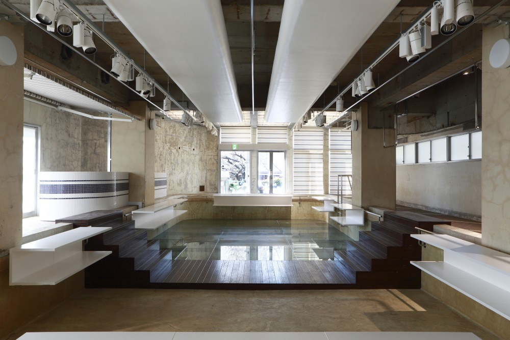 a-closer-look-at-the-interior-of-the-pool-aoyama-by-nobuo-araki-03