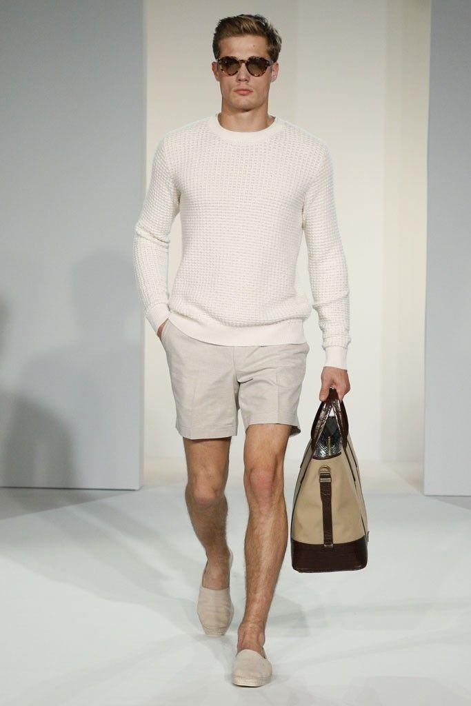 Miehen kesätyyli - shortsit työpaikalla