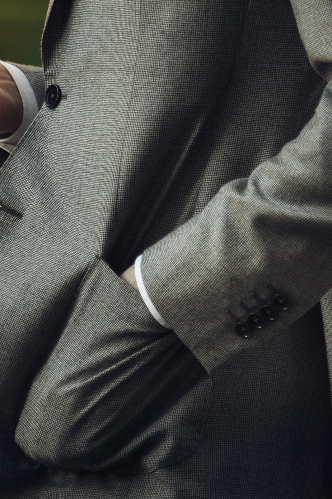 Tombolinin puku - yksityiskohdat